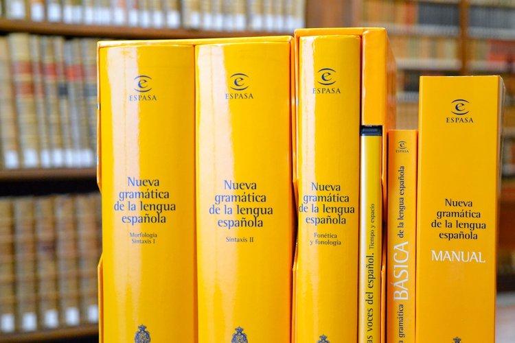 3 Manuales De Ortografía Y Gramática Española Eleinternacional